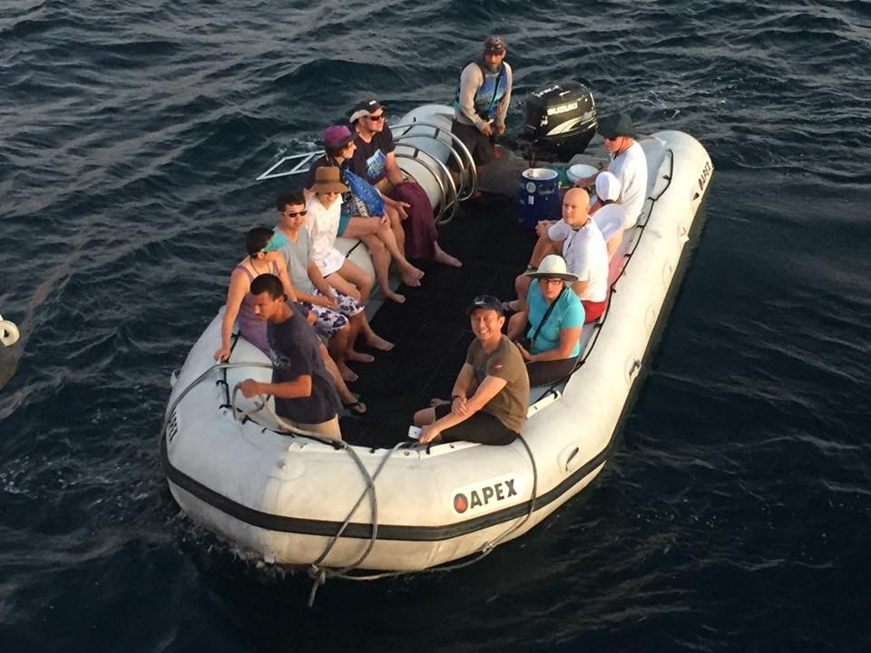 halef and a group in a zodiac