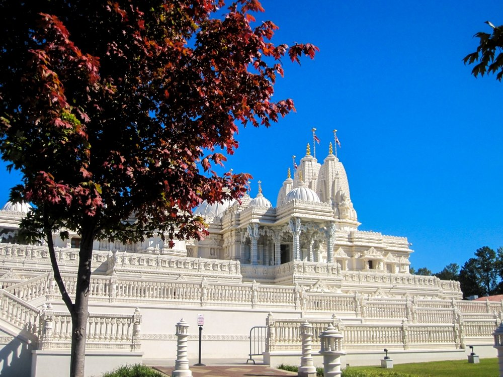 BAPS Atlanta - Side view of BAPS Mandir