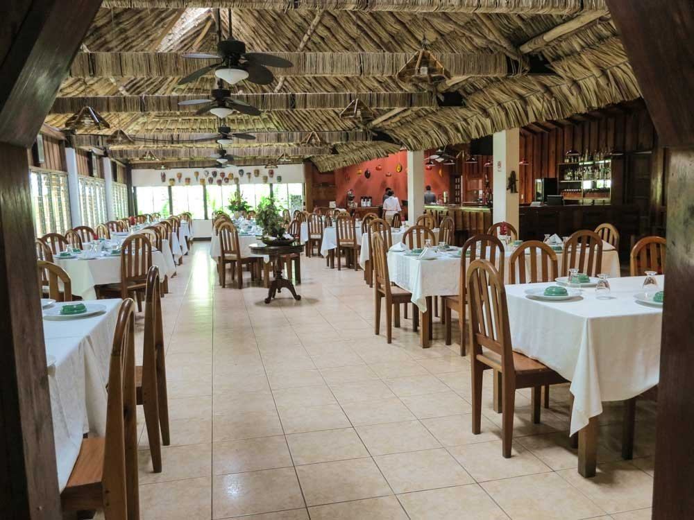 Jungle Lodge Hotel restaurant