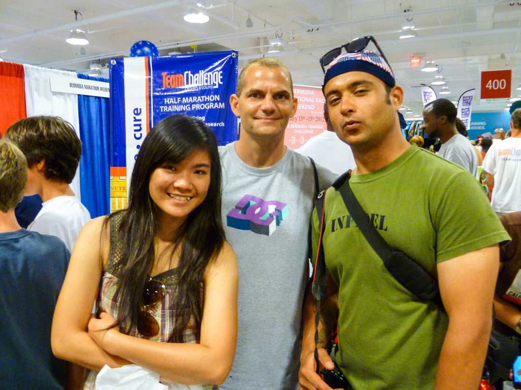 How to be a great Couchsurfing host - At the Peachtree Road Race expo