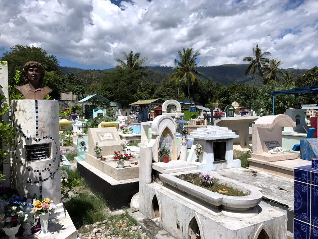 things to do in Dili - Santa Cruz cemetery