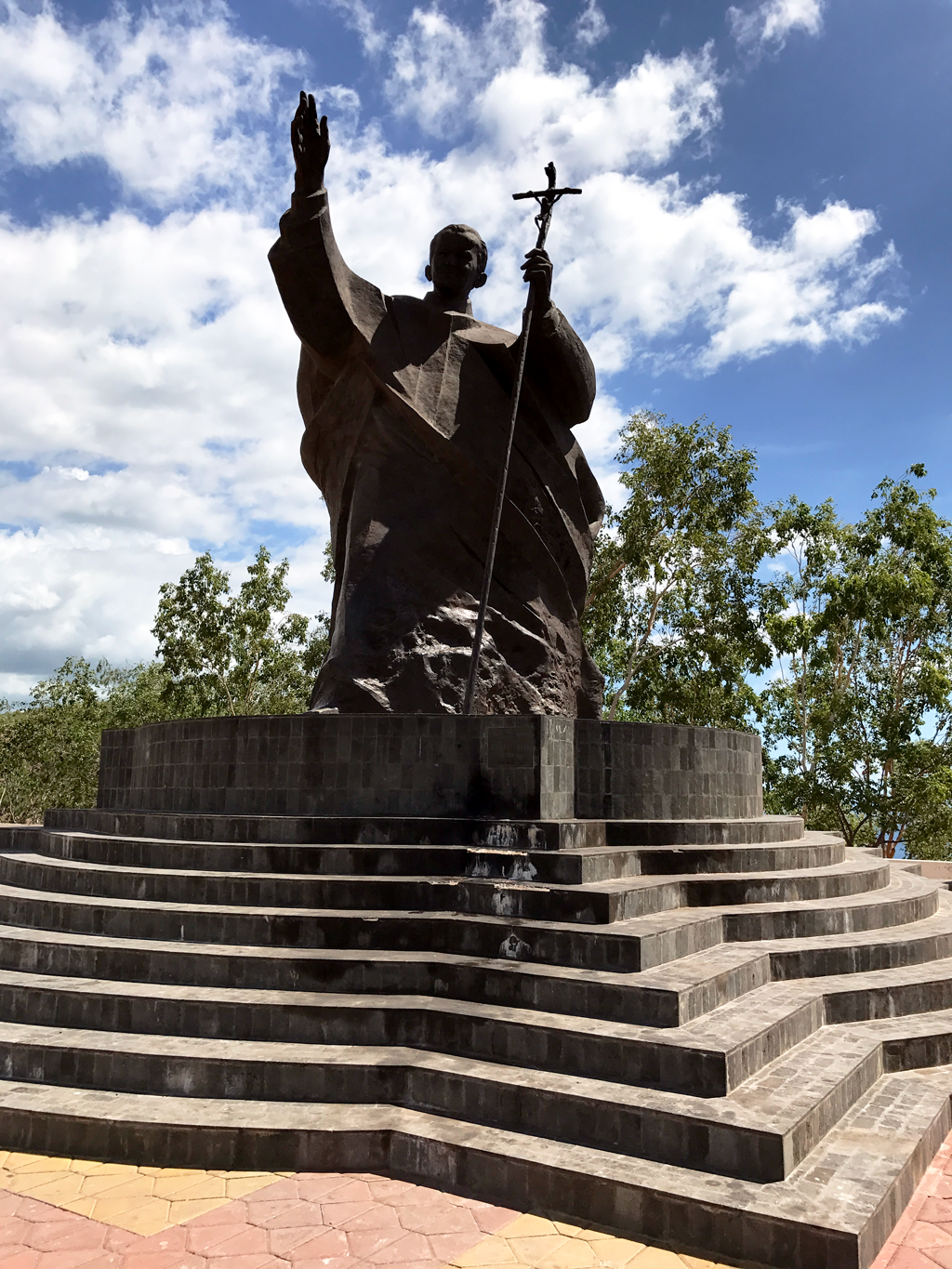 things to do in Dili - John Paul II statue