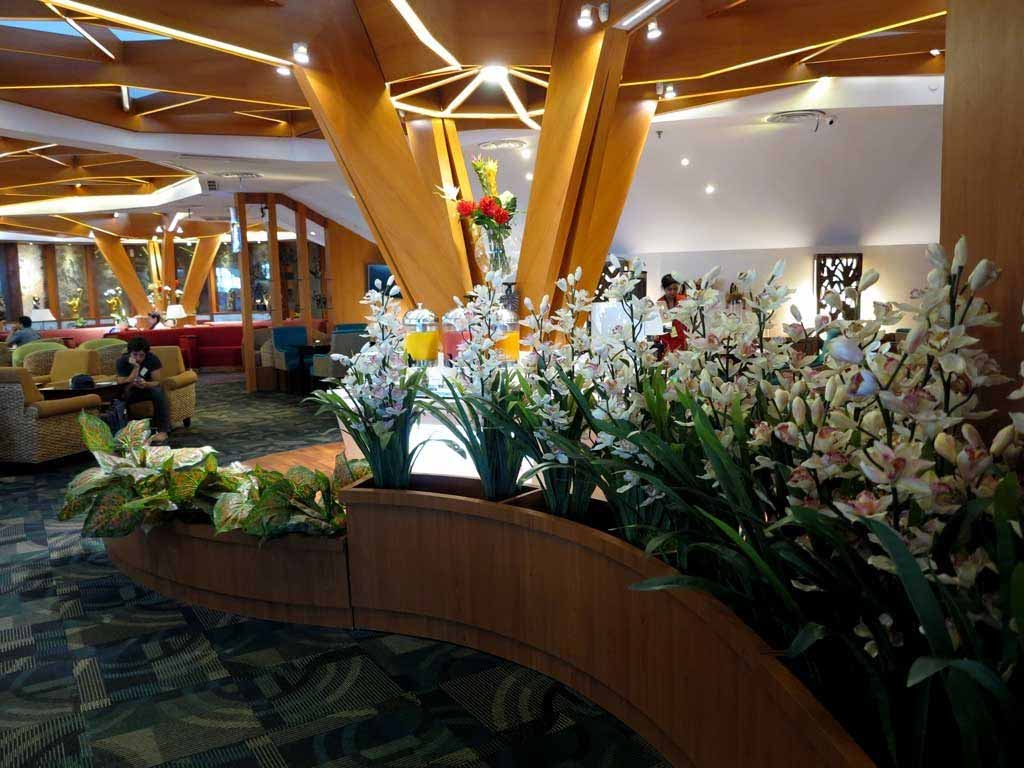 A beautiful flower arrangement in the Premier Lounge at Bali Airport