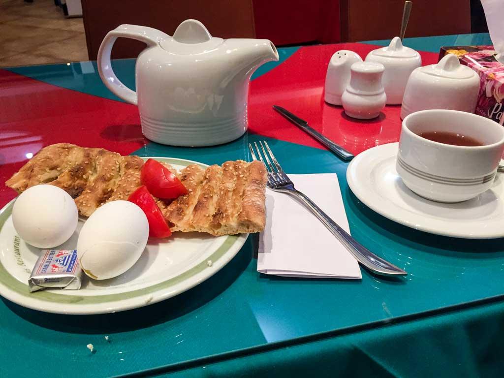 Fardis hotel Tehran - breakfast