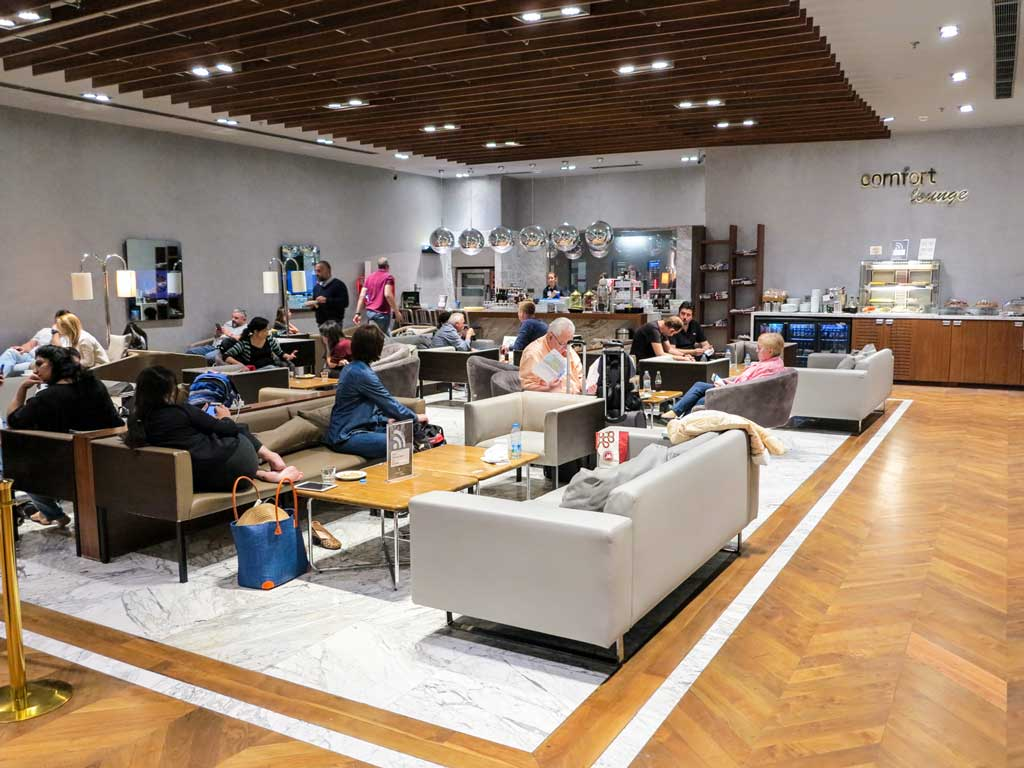 comfort airport lounge istanbul interior