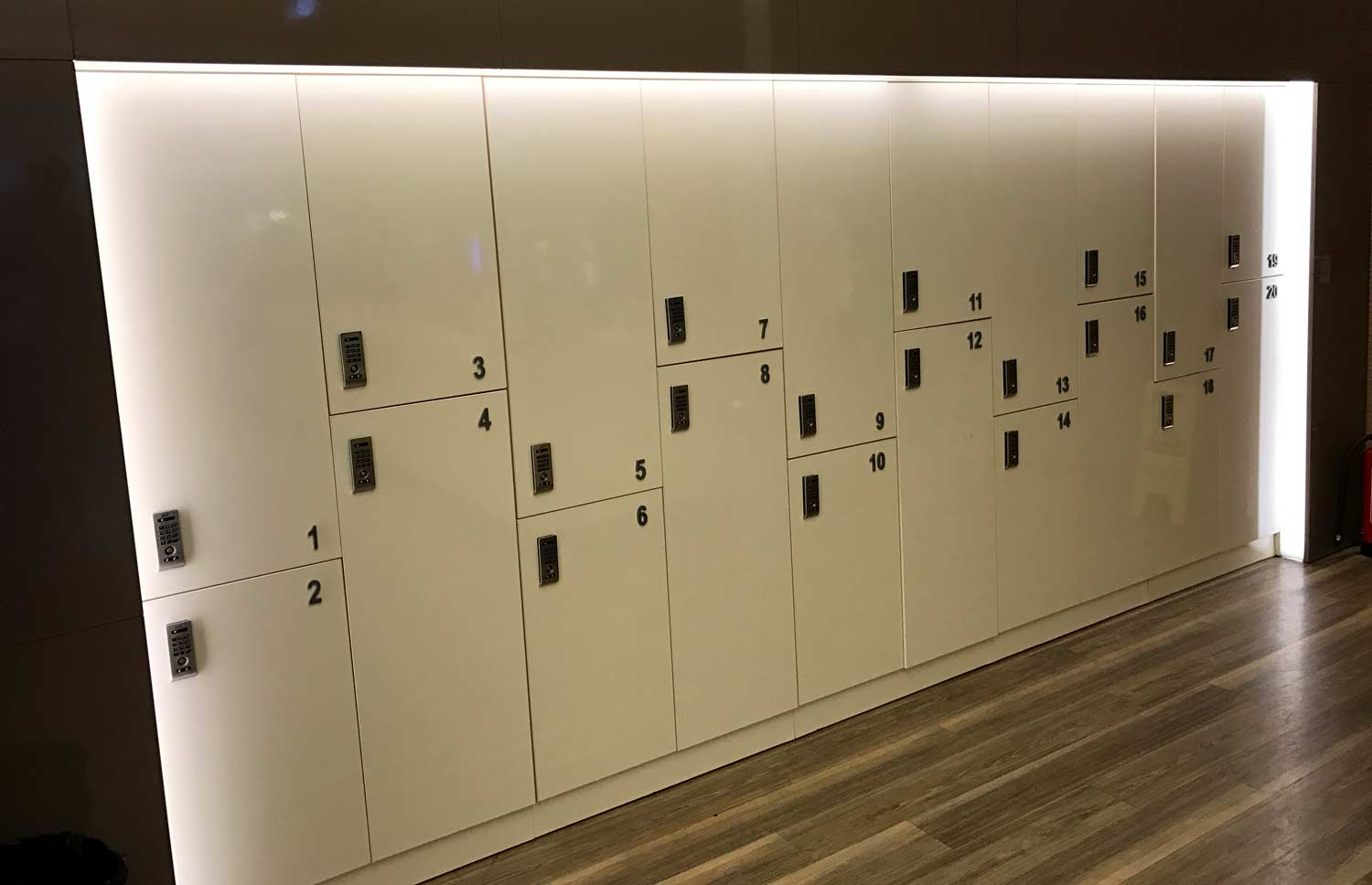HSBC Premier Lounge - locker