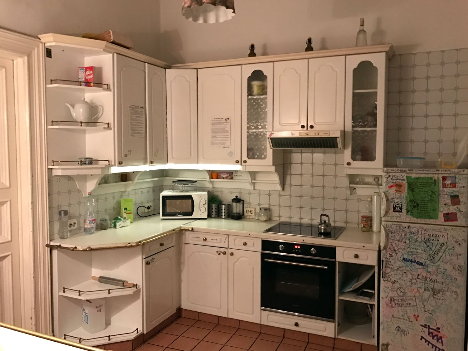 baroque hostel budapest kitchen