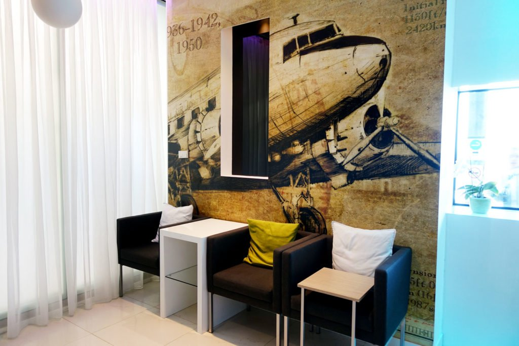 menzies aviation lounge budapest plane