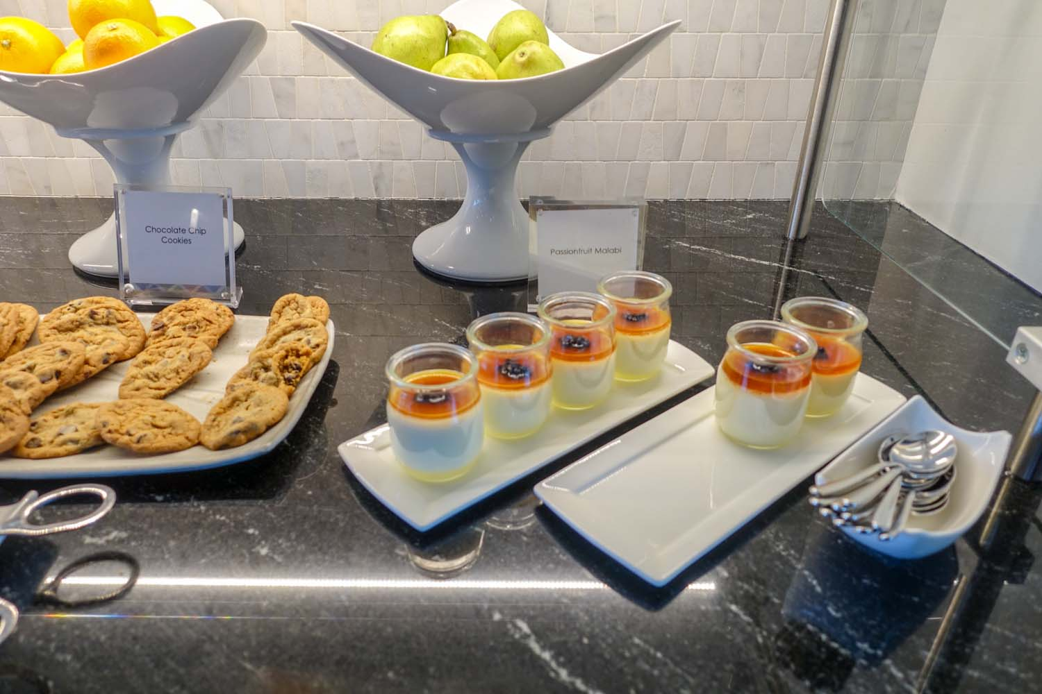 The dessert bar at Centurion Lounge PHL