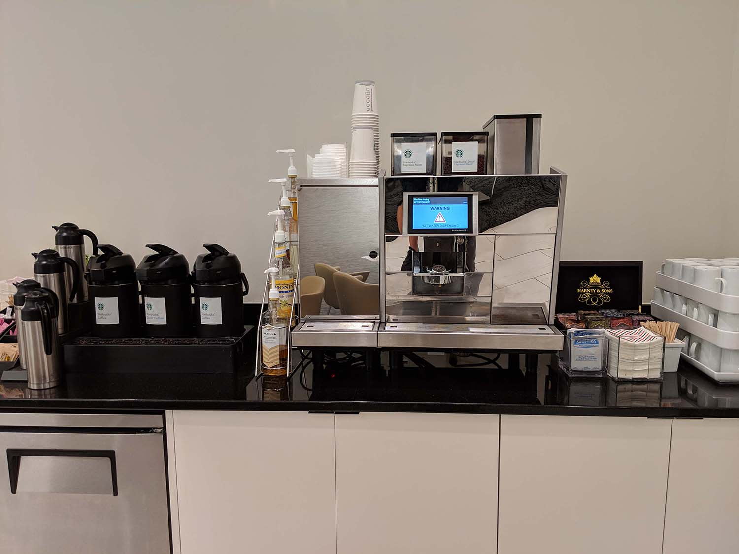 Delta Sky club in Fort lauderdale coffee and tea
