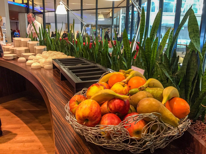 KLM Crown Lounge 52 fruit bowl