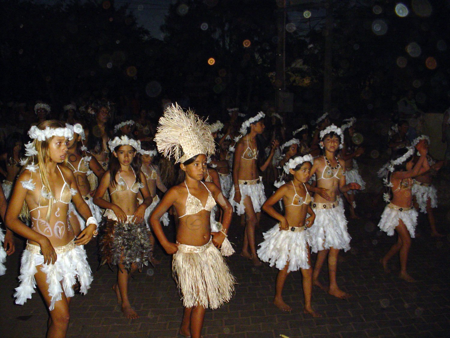 unusual things to do on easter island tapati festival