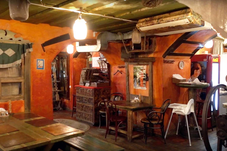 Belarus Food in Minsk Restaurants - talaka interior