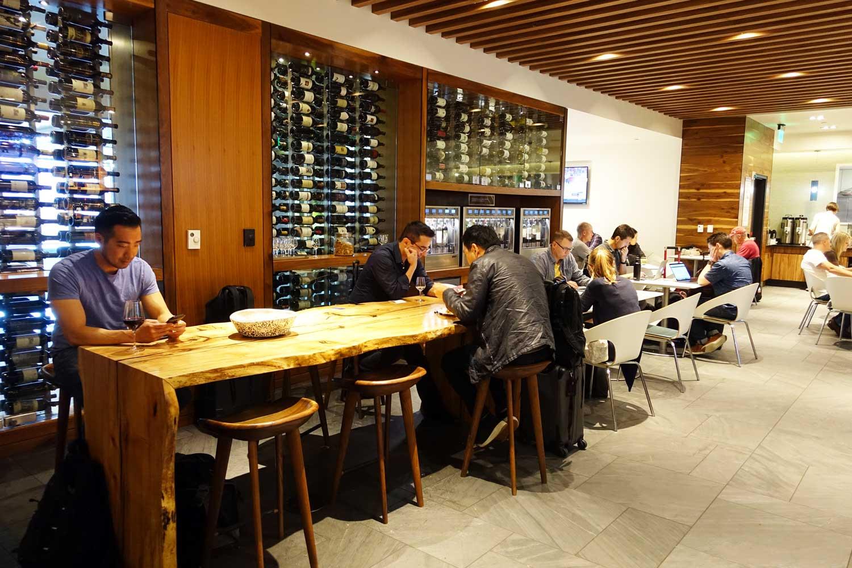 Centurion Lounge SFO table