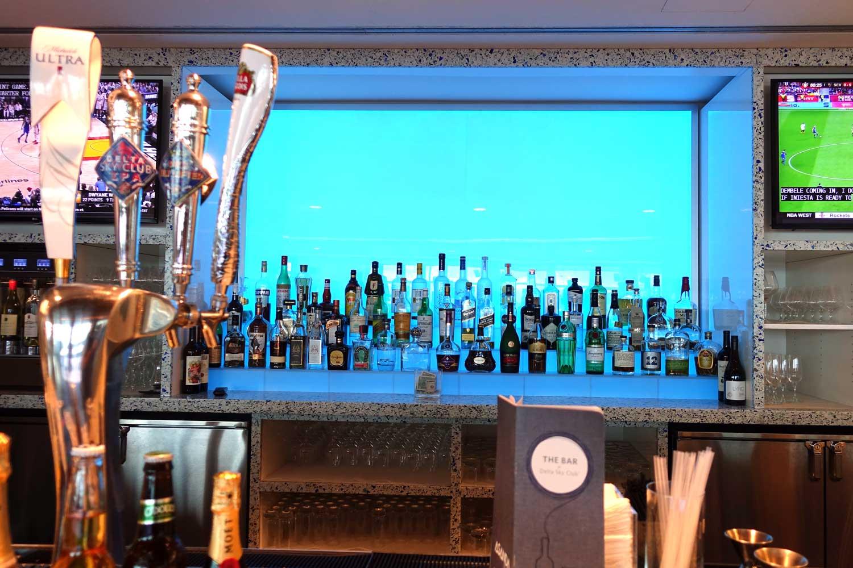 Delta Sky Club in Seattle bar