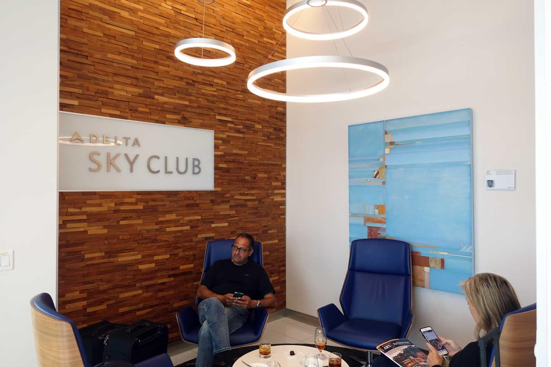 Delta Sky Club San Francisco seating