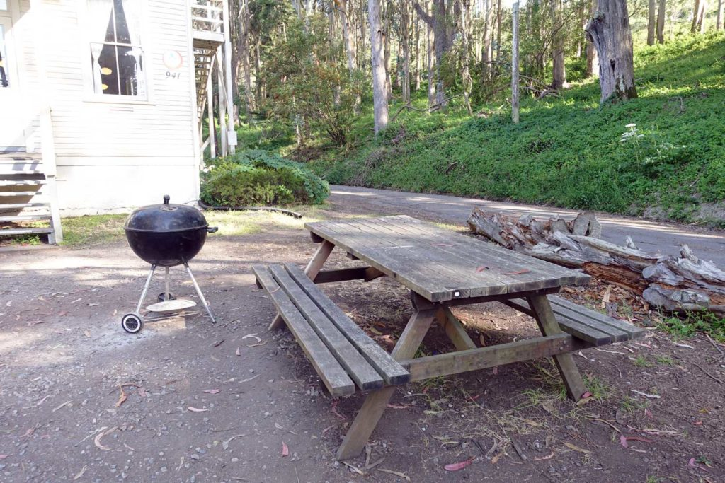 Marin Headlands Hostel outdoor grilling and picnic area