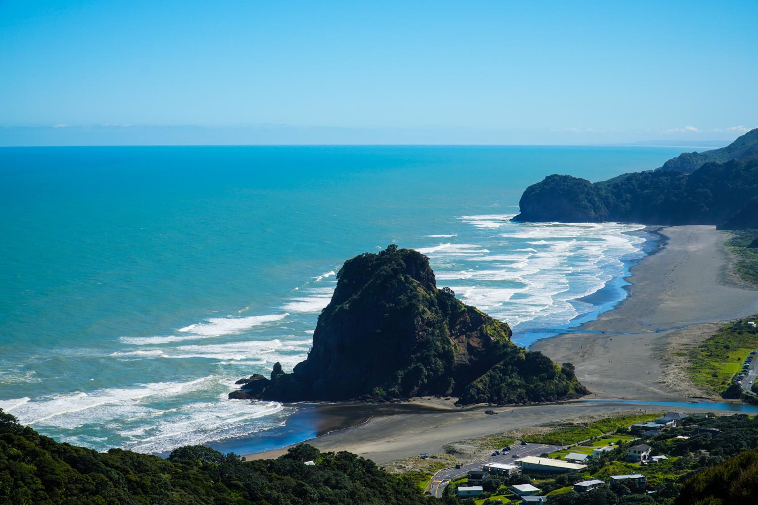 day trips from auckland to piha beach.