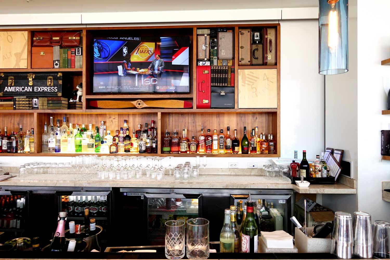 centurion lounge in miami bar