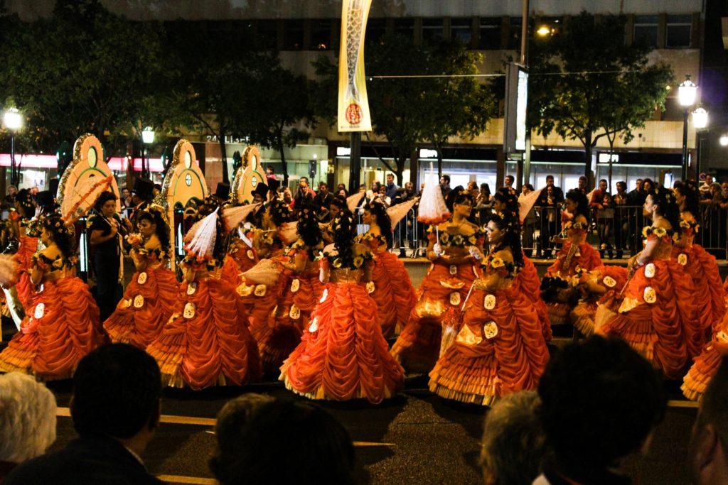 Lisbon Sardine Festival: Street dancers in costume