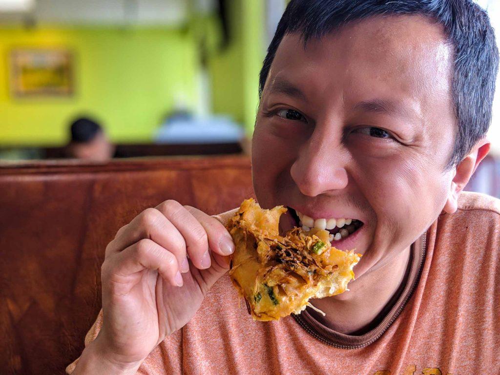 Halef enjoying his Batavia dish