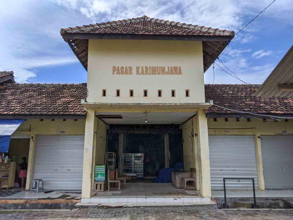 The front entrance of Pasar Karimunjawa